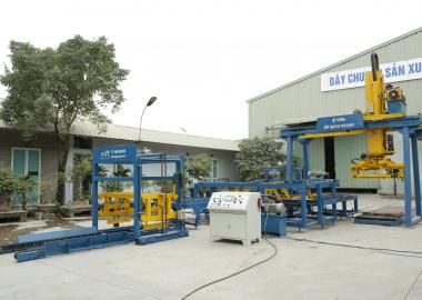 Máy tách dồn xếp gạch DmCline công ty long thọ Huế